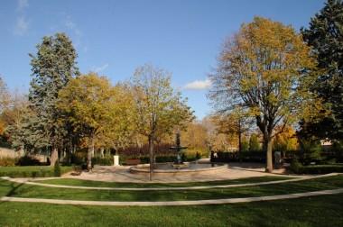 Le square Honoré d'Urfé est l'un des havres de paix de la Montbrison. Crédit : Ville de Montbrison