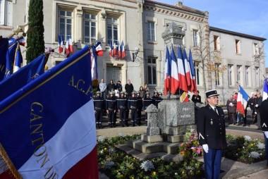 Commémoration du 11 novembre au monument aux morts de Moingt