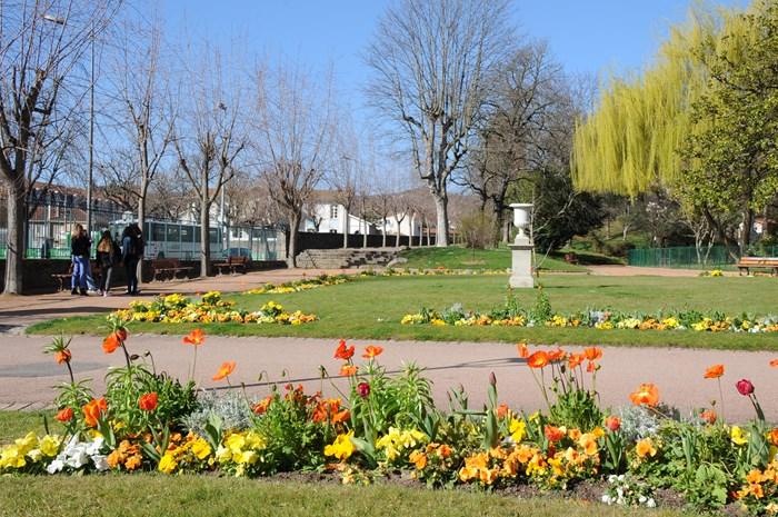 montbrison ville trois fleurs ville de montbrison. Black Bedroom Furniture Sets. Home Design Ideas