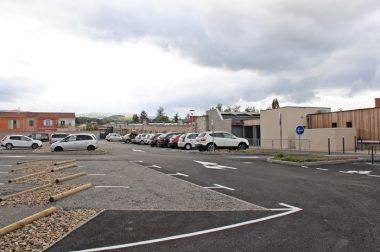 Dès sa mise en service, le nouveau parking a été adopté par les usagers de l'Espace des associations.
