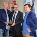 Philippe Tournaire, Christophe Bazile (Maire de Montbrison), Mathieu Tournaire. Crédit ville de Montbrison.
