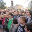 Enfants de CM2 de l'école Brillé chantent un couplet de la Marseillaise