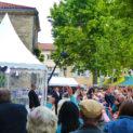 11h : Le public qui sait que Montbrison est le plus beau marché de France réclame Jean-Pierre.