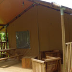 vu extérieure tente safari camping du surizet