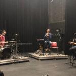 Artistes musiciens sur scène